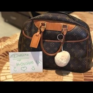 Handbags - beautiful original LV bag